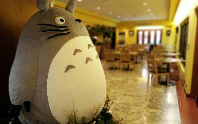 À l'intérieur du premier restaurant Totoro sous licence officielle au monde