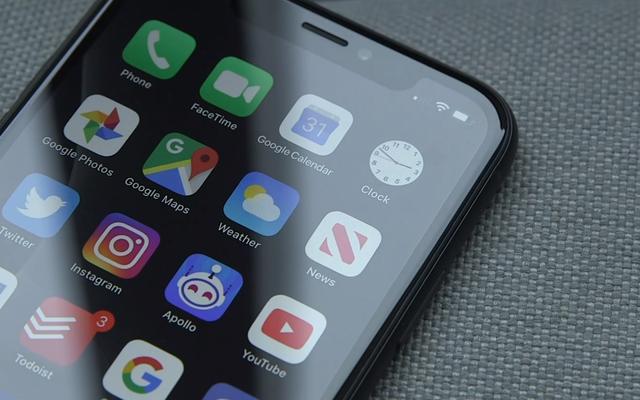วิธีเปิดใช้งาน Dark Mode ใน iOS และ Android