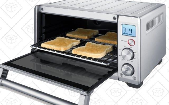 Model Kecil (ish) dari Oven Pemanggang Roti Favorit Anda Baru Saja Mendapat Diskon $40 Langka