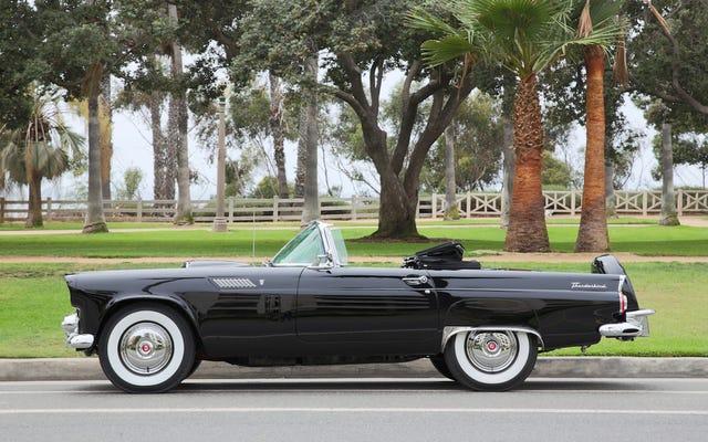 マリリンモンローのパーソナルフォードサンダーバードを購入して、真のハリウッドを体験してください