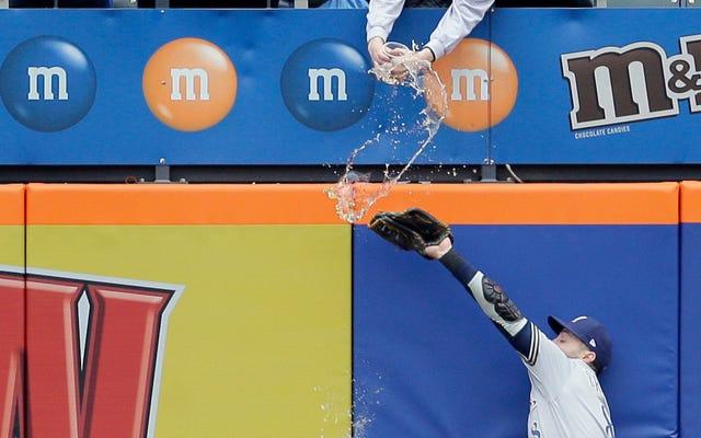 Un fan de Mets fait une douche accidentelle à Ryan Braun avec une bière trop chère
