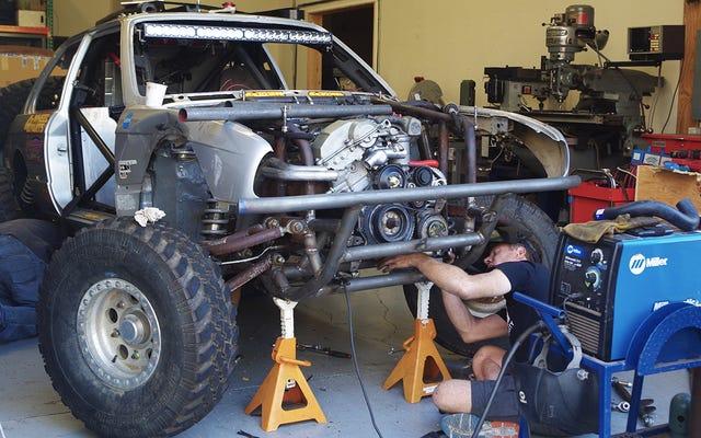 La Baja Pig BMW di Bill Caswell si riunisce nell'undicesima ora