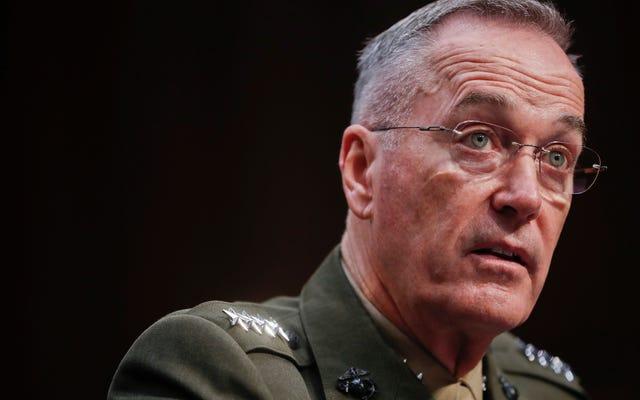 ट्रम्प के शीर्ष जनरल कहते हैं कि उन्होंने ट्रांसजेंडर सैनिकों पर प्रतिबंध को लागू करने के खिलाफ राष्ट्रपति की सलाह दी