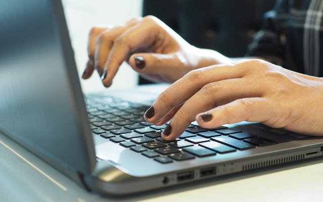 オンラインで最高のブラックフライデーのお得な情報を見つける方法