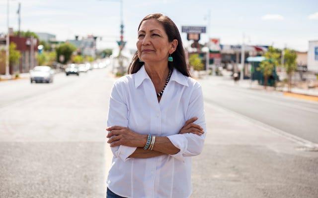 कांग्रेस की पहली मूल अमेरिकी महिलाएं ग्रह के लिए लड़ने के लिए तैयार हैं
