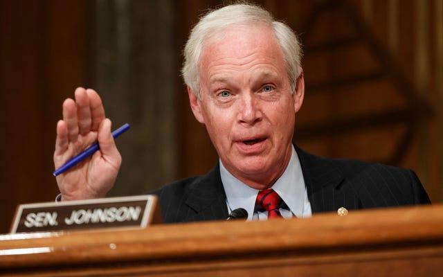 सेन रॉन जॉनसन ने सीनेट के कर्मचारियों को सभी 628 पृष्ठों को पढ़ने के लिए मजबूर किया।