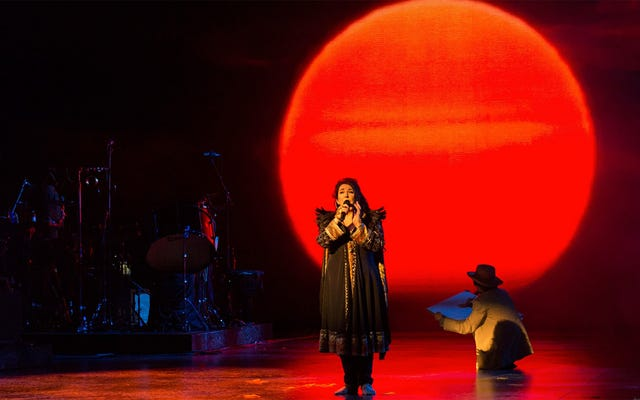 「私の子宮は前から後ろまでそれを愛していました!」2人のケイトブッシュメガファンが夜明け前に彼女のニューアルバムをレビュー