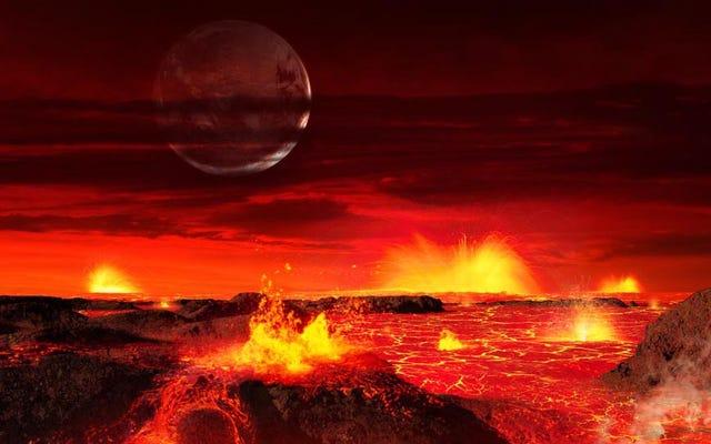 प्रचलित चंद्रमा का अपना वातावरण था और तेज हवाओं से घिरा हुआ जलवायु था