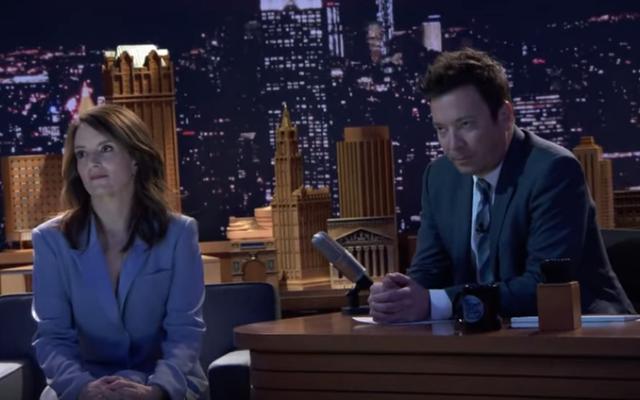 Le rôle du cinquième anniversaire du Tonight Show incarne Larry Sanders en faisant semblant que tout le monde déteste Jimmy Fallon