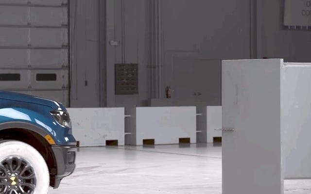 フォードレンジャーの衝突保護は問題ありませんが、そのヘッドライトはそうではありません:IIHS