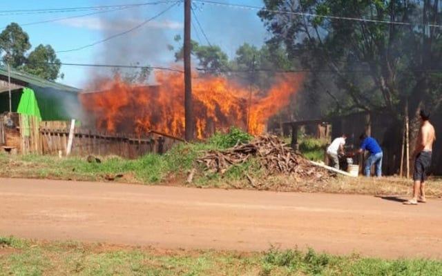 レポート:男はアルゼンチンのサッカーのライバル関係で彼の友人の家を焼き払う
