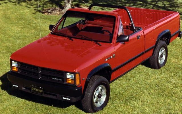 フォードが新しいコンバーチブルピックアップトラックのアイデアをいじりまわしている