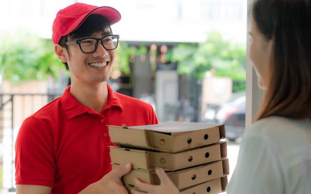 ピザが15ドルのサラダをどのように押しつぶしているか