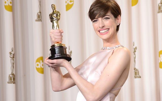 アン・ハサウェイが2013年のオスカー受賞について:「私は幸せなふりをして、大いに声をかけられました」