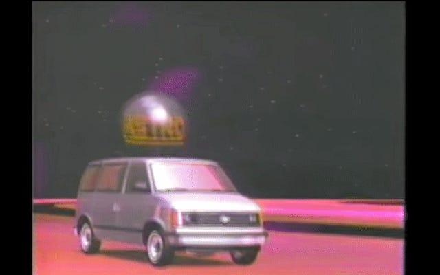 ขับตรงสู่อวกาศด้วย Chevy Astro Van . ปี 1985