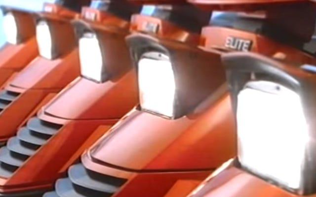 ホンダのエリート150はポップアップヘッドライトを備えた最もクールなスクーターです