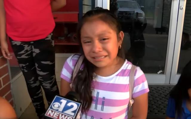 หลังจากการจู่โจม ICE ที่สร้างสถิติในมิสซิสซิปปีเด็กอพยพต้องเผชิญกับความสยองขวัญของการใช้ชีวิตโดยไม่มีพ่อแม่