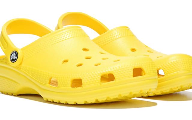 Crocs ने घोषणा की कि यह अपने कारखानों की अंतिम को बंद कर रहा है, गंभीरता से Croc राष्ट्र को बुमिंग कर रहा है