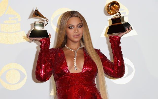 बियॉन्से के लेमोनेड ने दशक के सर्वश्रेष्ठ एल्बम का नाम दिया