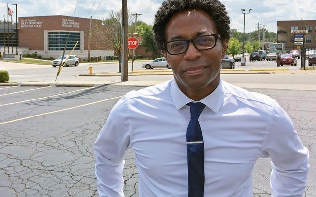 Wesley Bell lãng phí không có thời gian để thay đổi trong văn phòng công tố hạt St. Louis