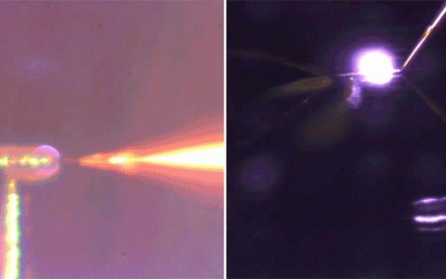 新しい3Dプリンターは魔法のように空中で描画します