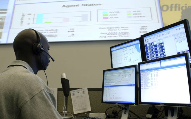 Remaja Ditangkap Setelah Memaksa Telepon untuk Menelepon 911 Nonstop