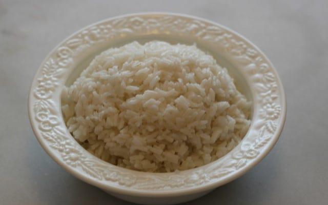 Nasi Sisa Bisa Membuat Anda Sangat Sakit