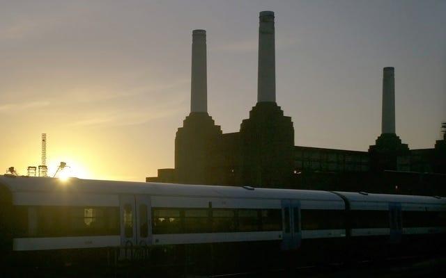 アップルはロンドンの真ん中にある放棄された発電所に移動しています