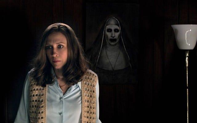 10 films d'horreur qui contiennent des œuvres d'art tout aussi horribles