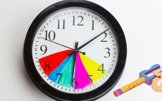 時計を色分けすることで放課後のルーチンを簡単にする