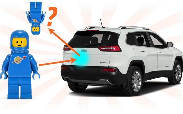 Tại sao sự phản chiếu của bạn đôi khi lại bị lật ngược khi bạn nhìn thấy nó trên ô tô?