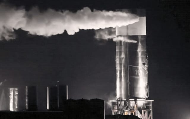 Le prototype du vaisseau spatial SpaceX s'effondre lors d'un troisième test échoué