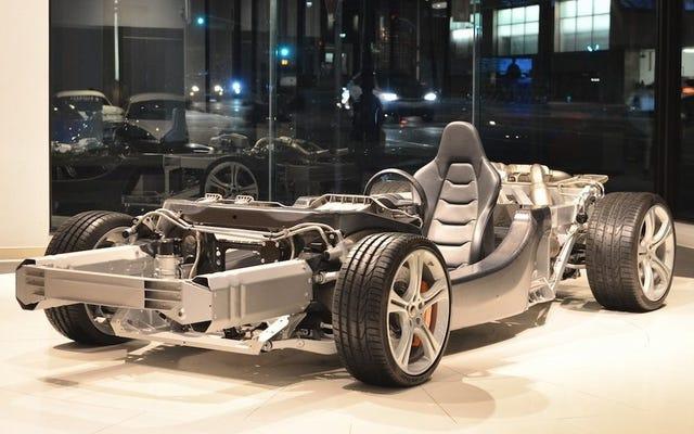 私の新しいデイリードライバーはこの25,000ドルのマクラーレンMP4-12Cベアシャーシです