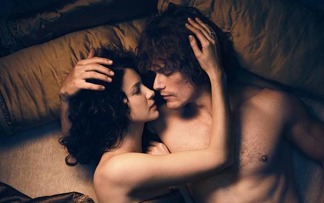 Starz đang dành một tập phim Outlander dài hơn cho cuộc đoàn tụ của Claire và Jamie, hãy ca ngợi Chúa