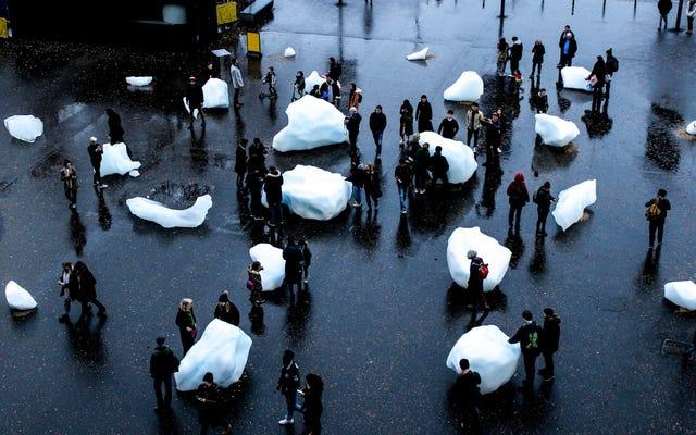 グリーンランドの溶けた塊は、ロンドン市民を気候変動と対面させています