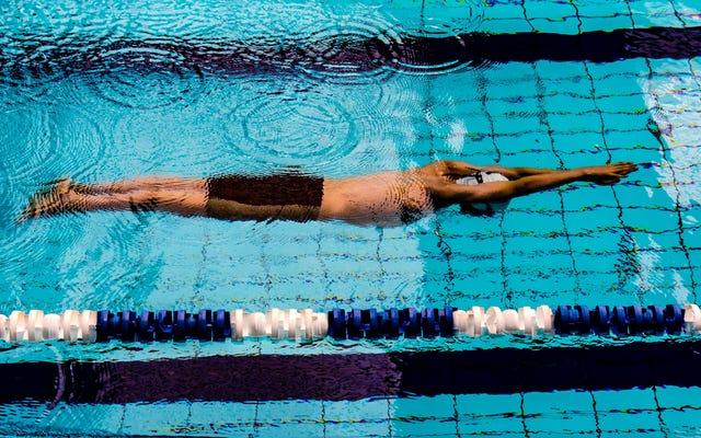フィットネスのための水泳を始める方法