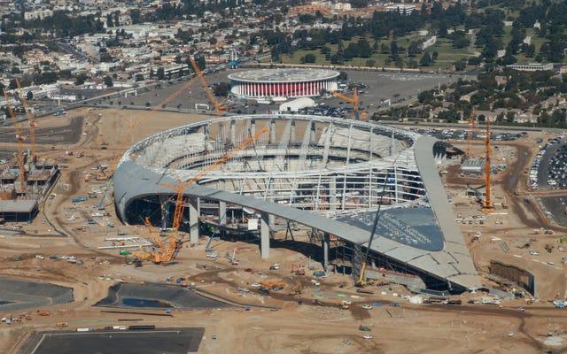 Tại sao việc xây dựng trên sân vận động được phép tiếp tục?