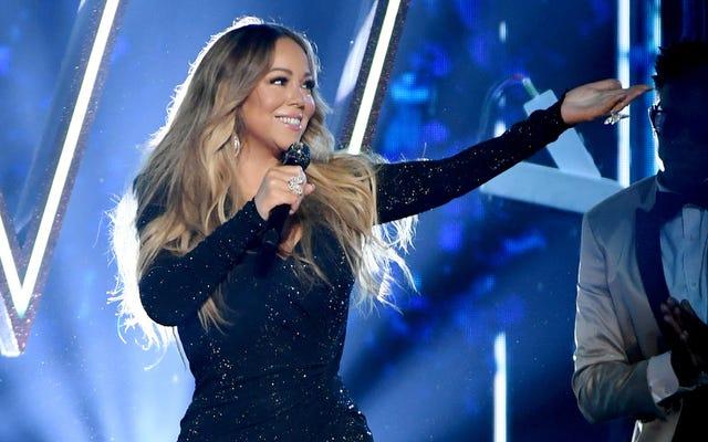 Tout ce que je veux pour Noël, c'est ... le sac: l'agrafe de vacances de Mariah Carey est numéro 1 sur le panneau d'affichage pour la première fois, nouveau clip à venir