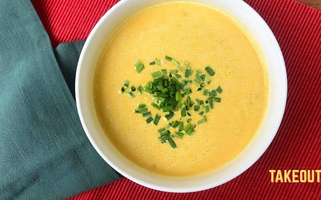 Cette soupe à la citrouille et aux épices est facile, mais loin d'être basique