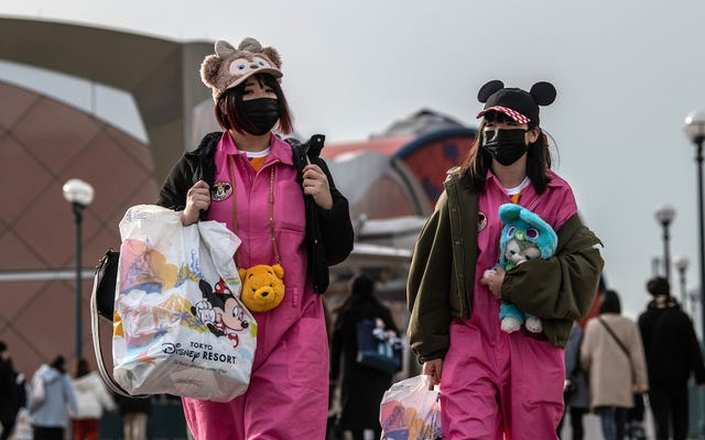 ดิสนีย์แลนด์เลโก้แลนด์และยูนิเวอร์แซลสตูดิโอปิดให้บริการในญี่ปุ่นเนื่องจากการระบาดของไวรัสโคโรนา