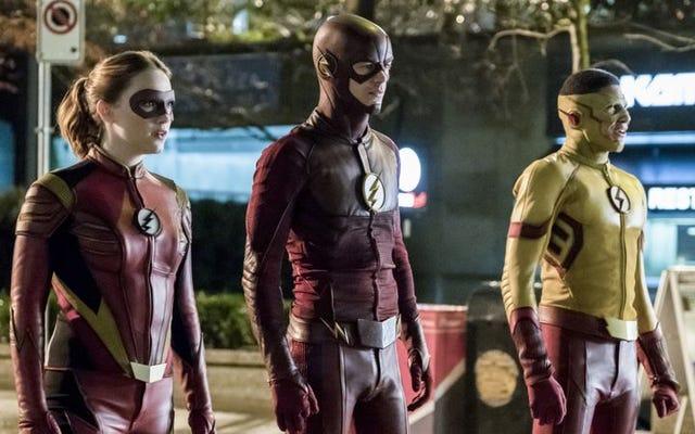 The Flash ขัดขวางการบุกรุกของกอริลลาที่ท่วมท้นในตอนที่ตกต่ำโดยไม่จำเป็น
