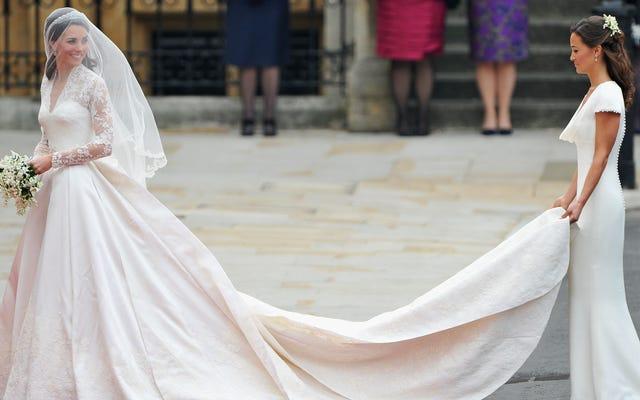 コロナウイルスのパンデミック中に潜在的なホームレスに直面している王室のウェディングドレスの刺繍