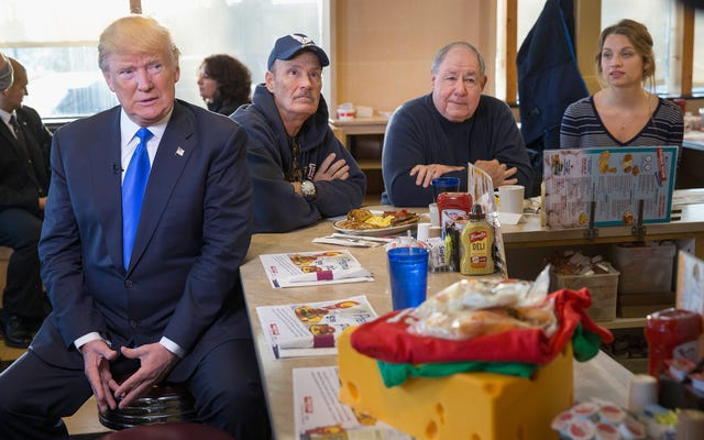 Trump Yönetimi Mavi Önlük Tarzı Hükümet Peyniri Geri Getirmek İstiyor