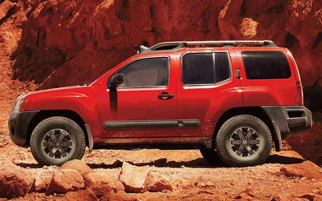 Umarım Nissan Bize Bu Kamyon Tabanlı Yeni SUV'yi Satar
