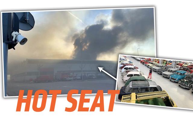 シートの200台のクラシックカーの歴史的コレクションで火災が発生