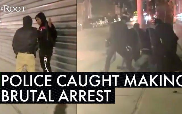 NYPDの警官が、公共の場で共同喫煙をしたとして抵抗していない若い黒人男性を残酷に倒すビデオを捕まえた