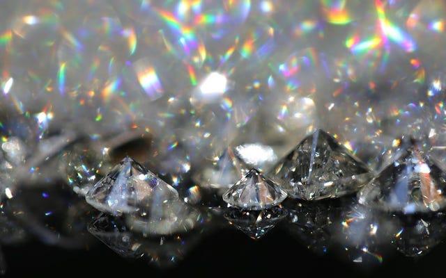 Họ phát hiện ra rằng có hàng triệu tấn kim cương dưới vỏ trái đất, nhưng có một vấn đề với chúng