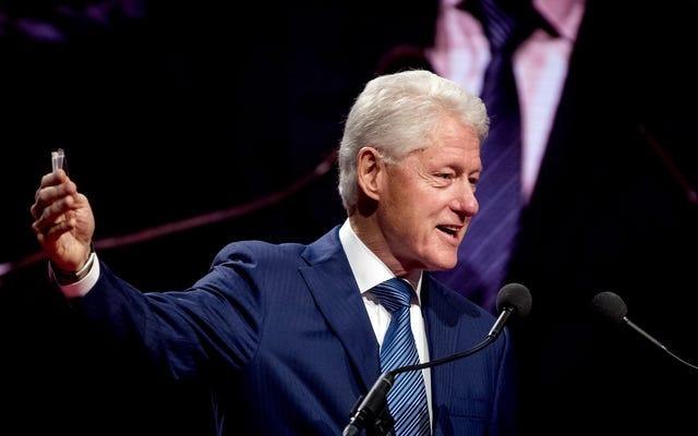 ビル・クリントン:世界的なナショナリズムは「私たちを破壊の端に連れて行く」