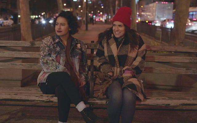 Broad City, dördüncü sezon finalinde arkadaşlığı kutluyor ve bir cinayet gizemini aynı anda çözüyor