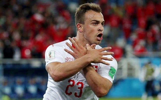 FIFAは物議を醸すゴールのお祝いのために2人のスイスの選手を調査します